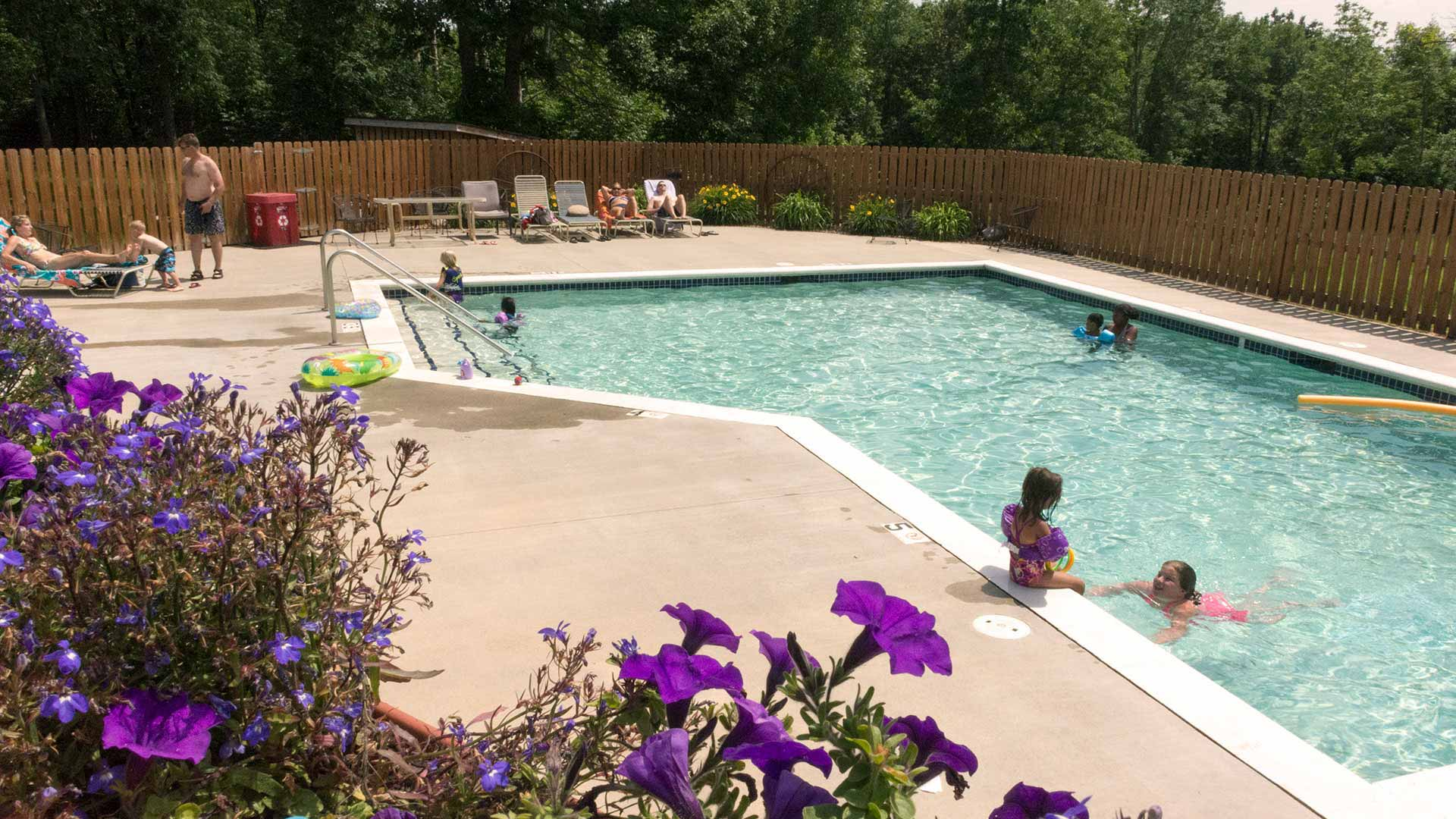 Minnesota Resorts with Outdoor Heated Pools